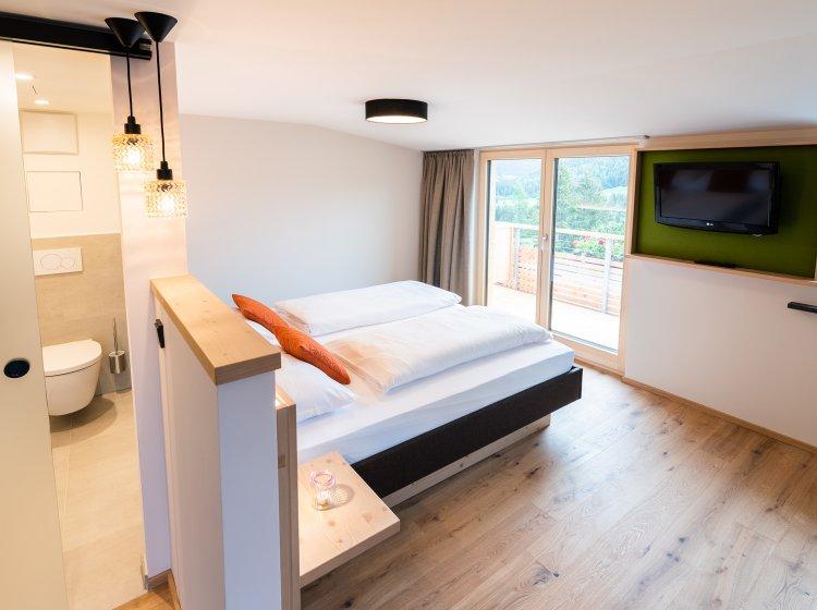 Hotelzimmer Besler mit Balkon im Allgäuer Biohotel