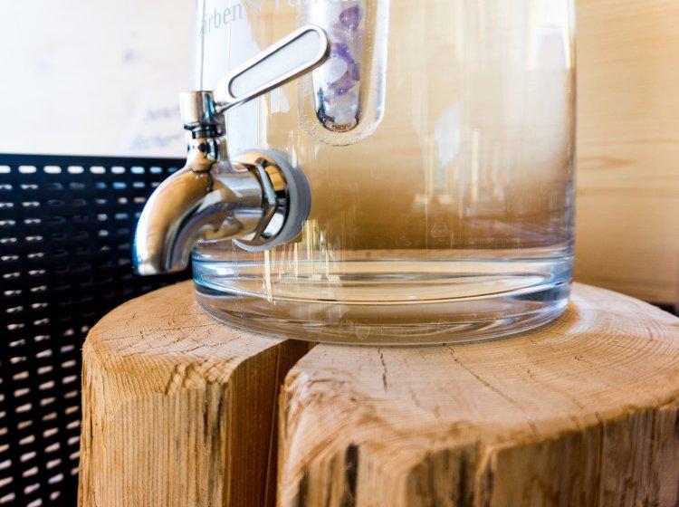 Granderwasser im Biohotel-Wellnessbereich