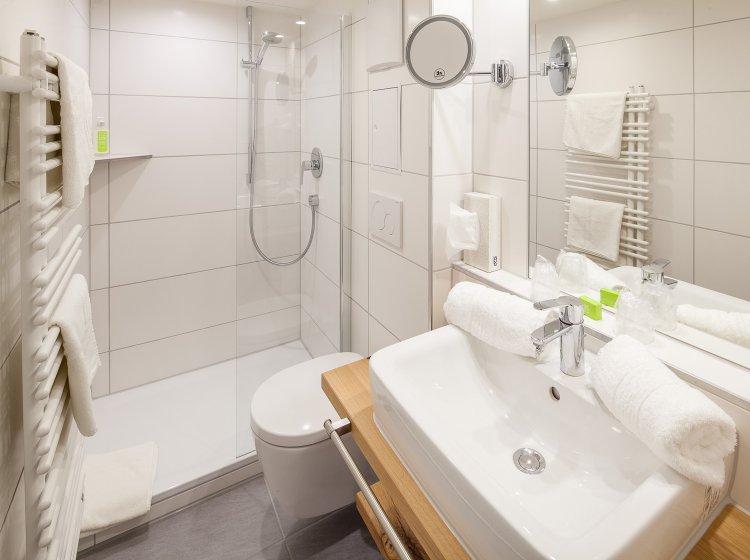 Hotelzimmer Biohotel Hoher Ifen – Badezimmer 2