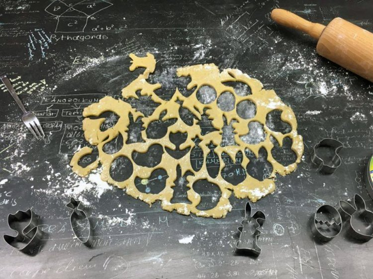 Vegane Oster-Kekse ausstechen