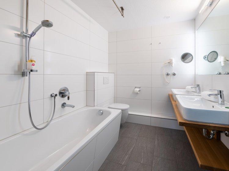 Badezimmer - Suite im Allgäuer Biohotel